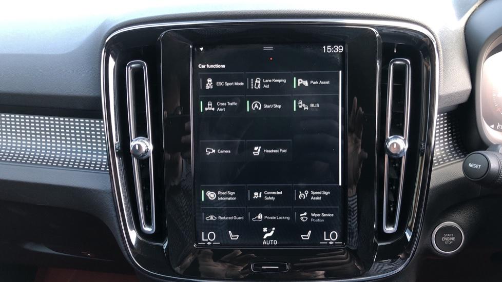 Volvo XC40 T5 AWD R Design Nav Auto with BLIS, Heated Screen, Keyless Entry, Rear Camera, Lava Carpets image 24
