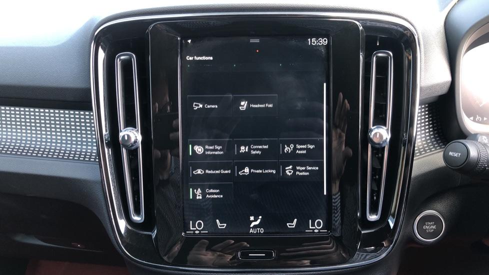 Volvo XC40 T5 AWD R Design Nav Auto with BLIS, Heated Screen, Keyless Entry, Rear Camera, Lava Carpets image 28
