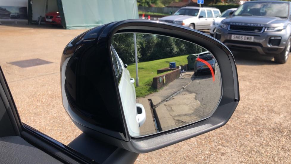 Volvo XC40 T5 AWD R Design Nav Auto with BLIS, Heated Screen, Keyless Entry, Rear Camera, Lava Carpets image 8
