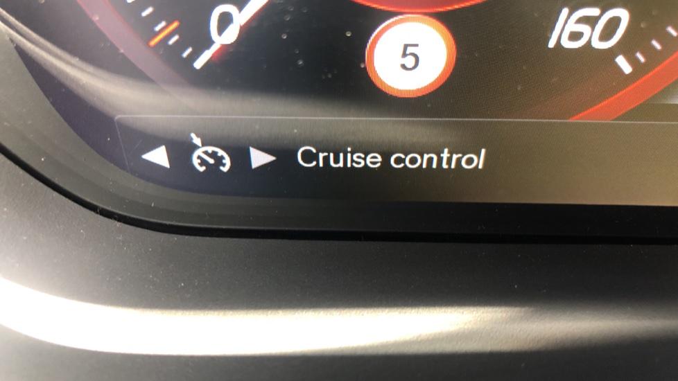 Volvo XC40 T5 AWD R Design Nav Auto with BLIS, Heated Screen, Keyless Entry, Rear Camera, Lava Carpets image 13