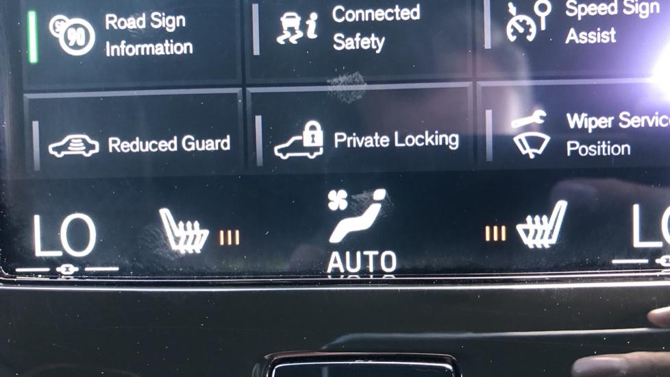 Volvo XC40 T5 AWD R Design Nav Auto with BLIS, Heated Screen, Keyless Entry, Rear Camera, Lava Carpets image 18