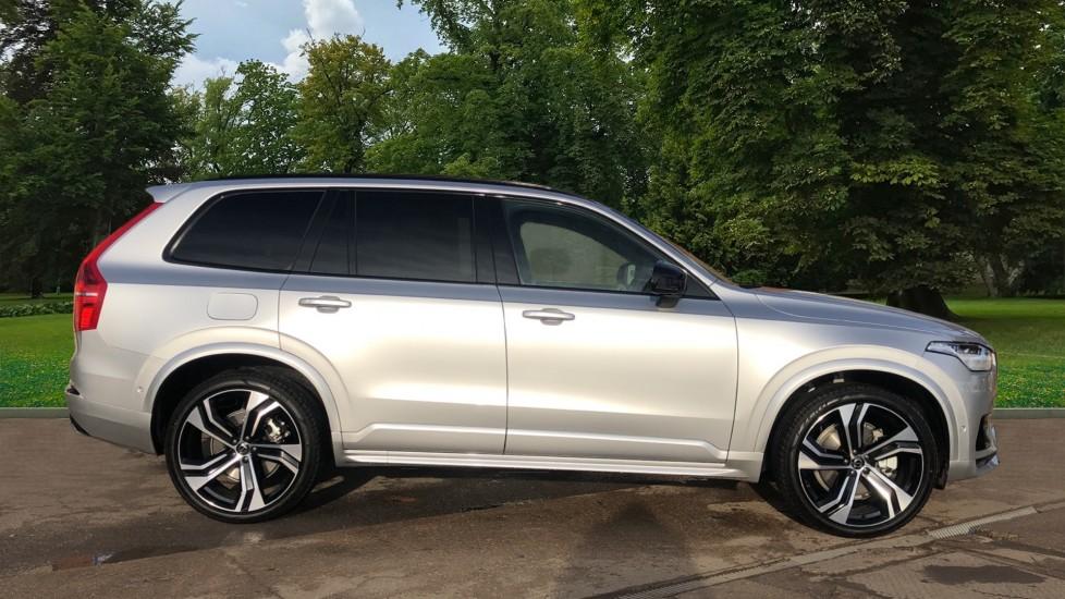 Volvo XC90 B5P Mild Hybrid R Design Pro AWD Auto, Lounge, Climate & Driver Assist Packs, Sunroof, B & W image 2