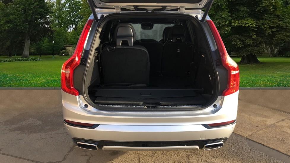 Volvo XC90 B5P Mild Hybrid R Design Pro AWD Auto, Lounge, Climate & Driver Assist Packs, Sunroof, B & W image 5