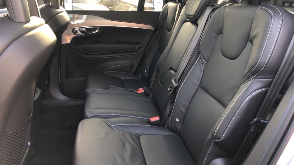Volvo XC90 B5P Mild Hybrid R Design Pro AWD Auto, Lounge, Climate & Driver Assist Packs, Sunroof, B & W image 25