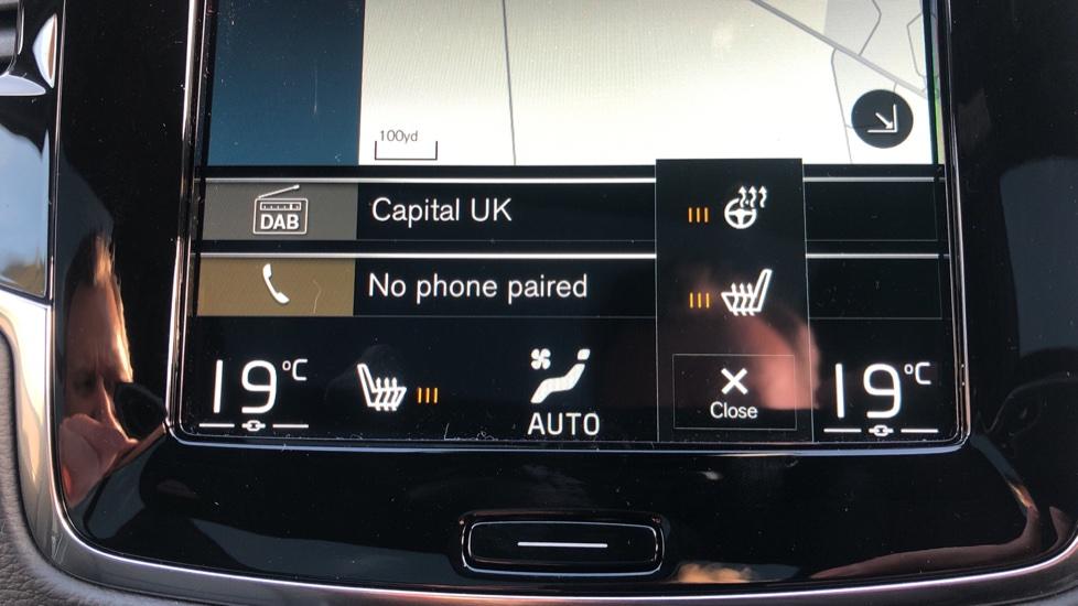 Volvo XC90 B5P Mild Hybrid R Design Pro AWD Auto, Lounge, Climate & Driver Assist Packs, Sunroof, B & W image 23