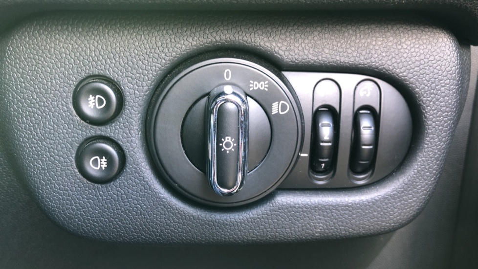 Mini Clubman 1.5 Cooper 6dr Auto, Nav, Rear Park Sensors, DAB Radio, Bluetooth, Air Conditioning,  image 16