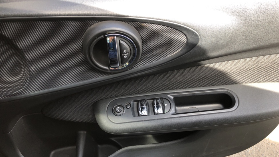 Mini Clubman 1.5 Cooper 6dr Auto, Nav, Rear Park Sensors, DAB Radio, Bluetooth, Air Conditioning,  image 21