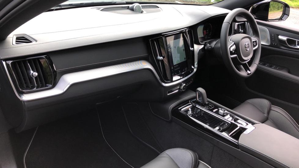 Volvo S60 T8 Hybrid Polestar Engineered AWD Auto, Intellisafe Pro, B&W Audio, Pan Roof, 360 Camera & Tow Bar image 12