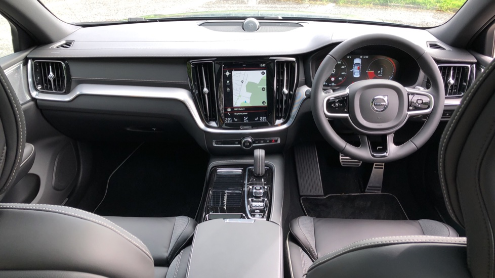 Volvo S60 T8 Hybrid Polestar Engineered AWD Auto, Intellisafe Pro, B&W Audio, Pan Roof, 360 Camera & Tow Bar image 11