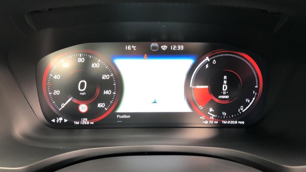 Volvo S60 T8 Hybrid Polestar Engineered AWD Auto, Intellisafe Pro, B&W Audio, Pan Roof, 360 Camera & Tow Bar image 13