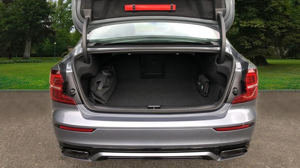Volvo S60 T8 Hybrid Polestar Engineered AWD Auto, Intellisafe Pro, B&W Audio, Pan Roof, 360 Camera & Tow Bar image 29