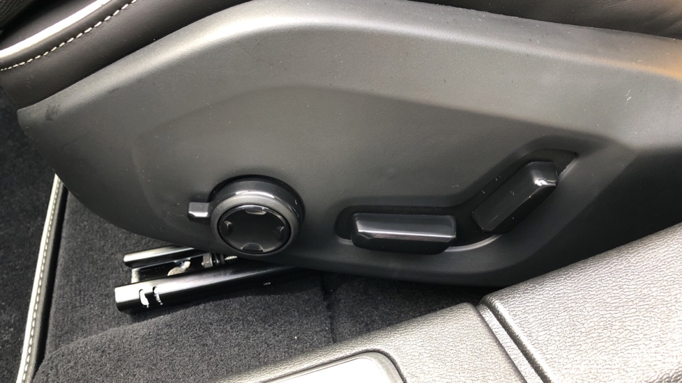 Volvo S60 T8 Hybrid Polestar Engineered AWD Auto, Intellisafe Pro, B&W Audio, Pan Roof, 360 Camera & Tow Bar image 20