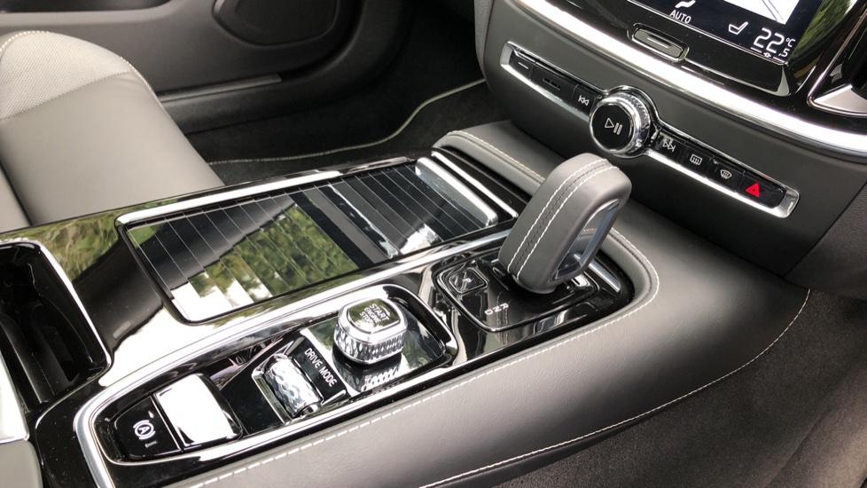 Volvo S60 T8 Hybrid Polestar Engineered AWD Auto, Intellisafe Pro, B&W Audio, Pan Roof, 360 Camera & Tow Bar image 33