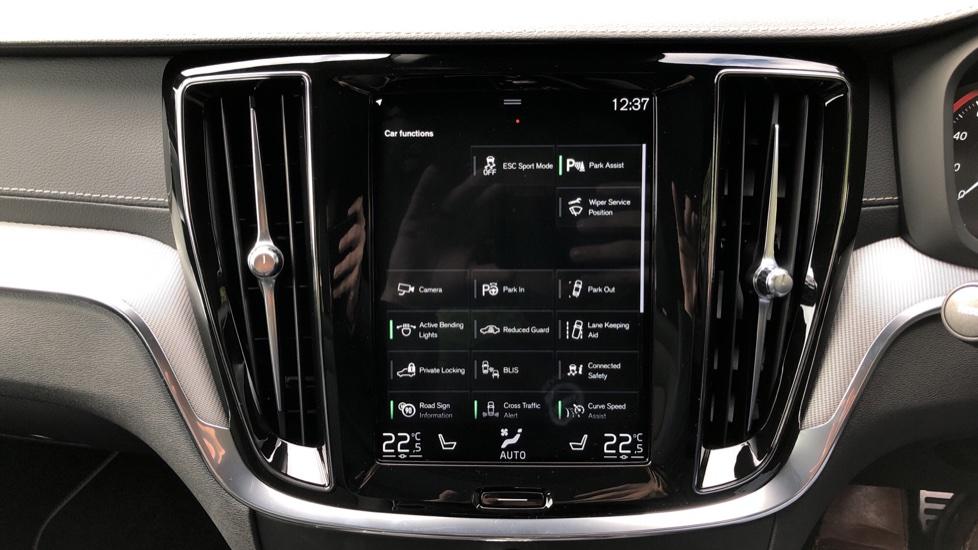 Volvo S60 T8 Hybrid Polestar Engineered AWD Auto, Intellisafe Pro, B&W Audio, Pan Roof, 360 Camera & Tow Bar image 31