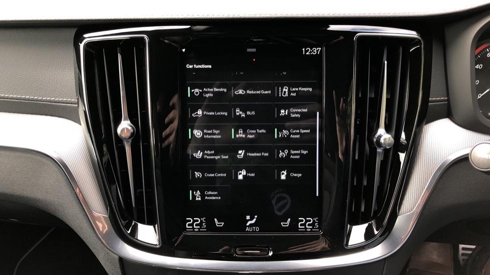 Volvo S60 T8 Hybrid Polestar Engineered AWD Auto, Intellisafe Pro, B&W Audio, Pan Roof, 360 Camera & Tow Bar image 32