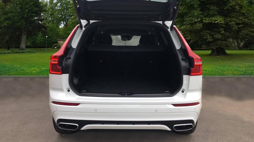 Volvo XC60 B4D Mild Hybrid R Design Nav  AWD Auto, Rear Camera, Parks Sensors, DAB Radio, Cruise Control image 4