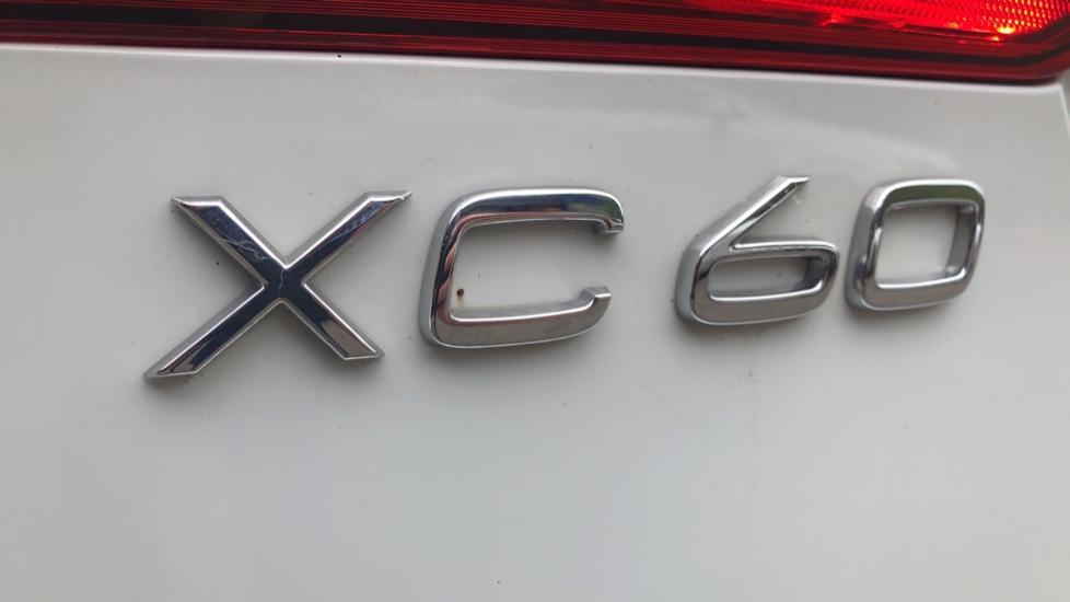 Volvo XC60 B4D Mild Hybrid R Design Nav  AWD Auto, Rear Camera, Parks Sensors, DAB Radio, Cruise Control image 29