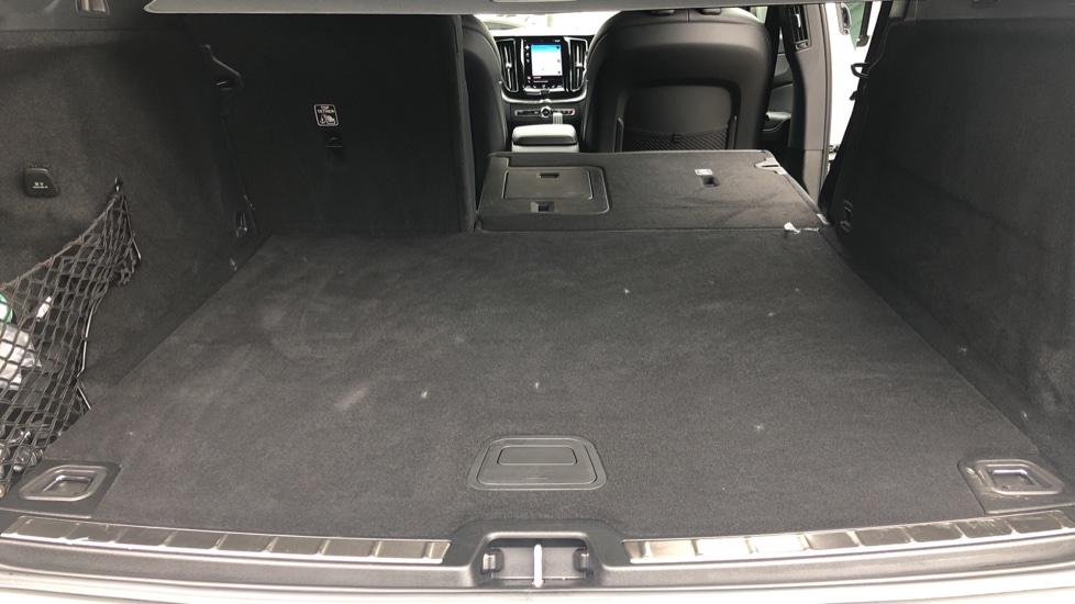 Volvo XC60 B4D Mild Hybrid R Design Nav  AWD Auto, Rear Camera, Parks Sensors, DAB Radio, Cruise Control image 25