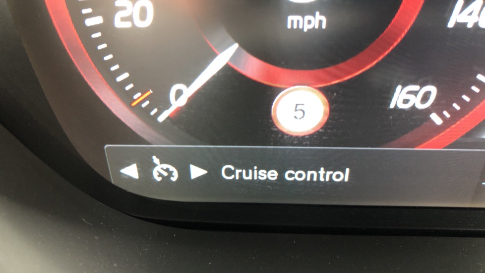 Volvo XC60 B4D Mild Hybrid R Design Nav  AWD Auto, Rear Camera, Parks Sensors, DAB Radio, Cruise Control image 10