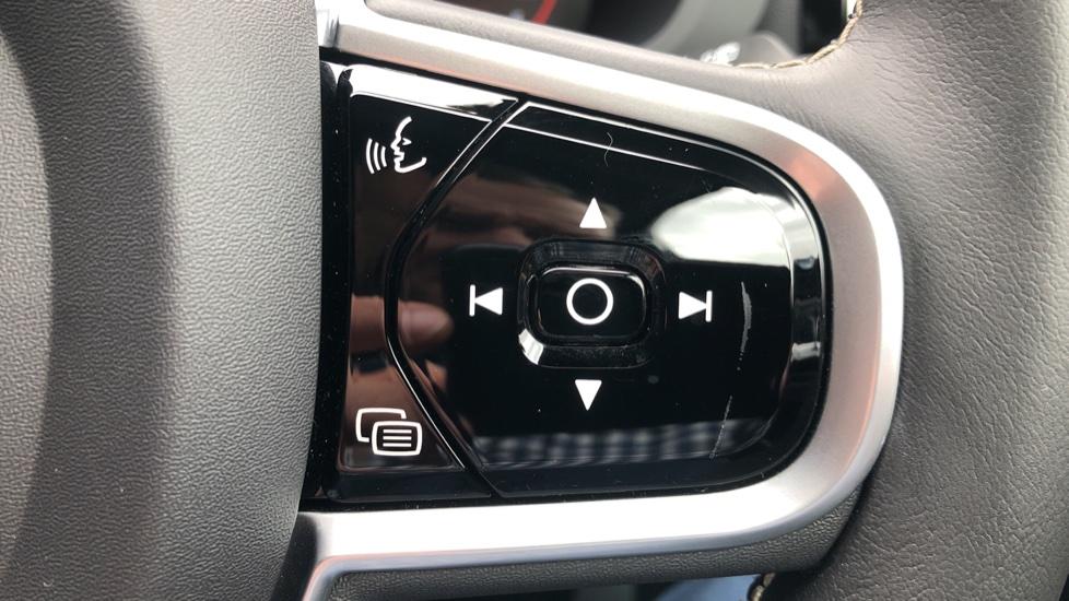 Volvo XC60 B4D Mild Hybrid R Design Nav  AWD Auto, Rear Camera, Parks Sensors, DAB Radio, Cruise Control image 13