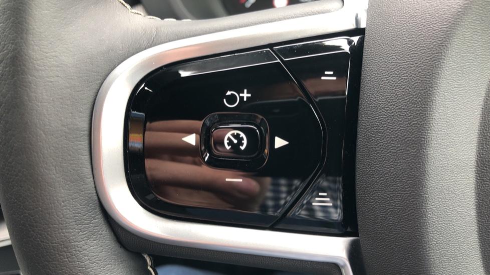 Volvo XC60 B4D Mild Hybrid R Design Nav  AWD Auto, Rear Camera, Parks Sensors, DAB Radio, Cruise Control image 12