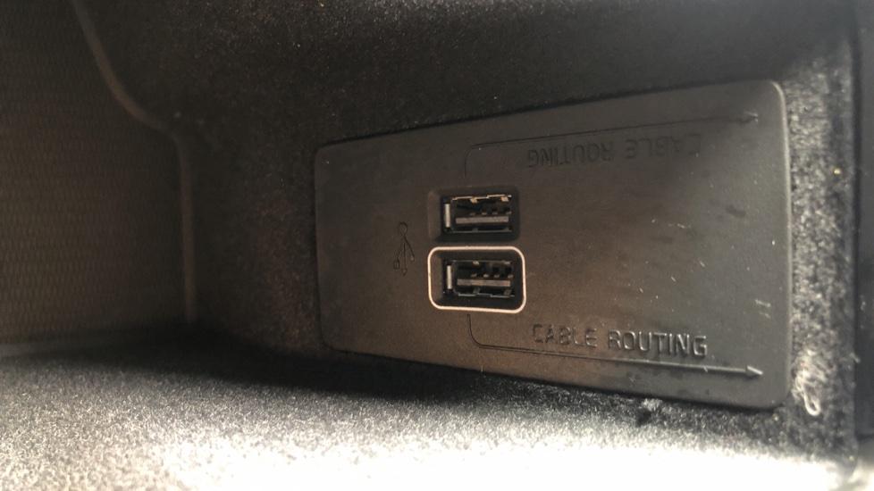 Volvo XC60 B4D Mild Hybrid R Design Nav  AWD Auto, Rear Camera, Parks Sensors, DAB Radio, Cruise Control image 18
