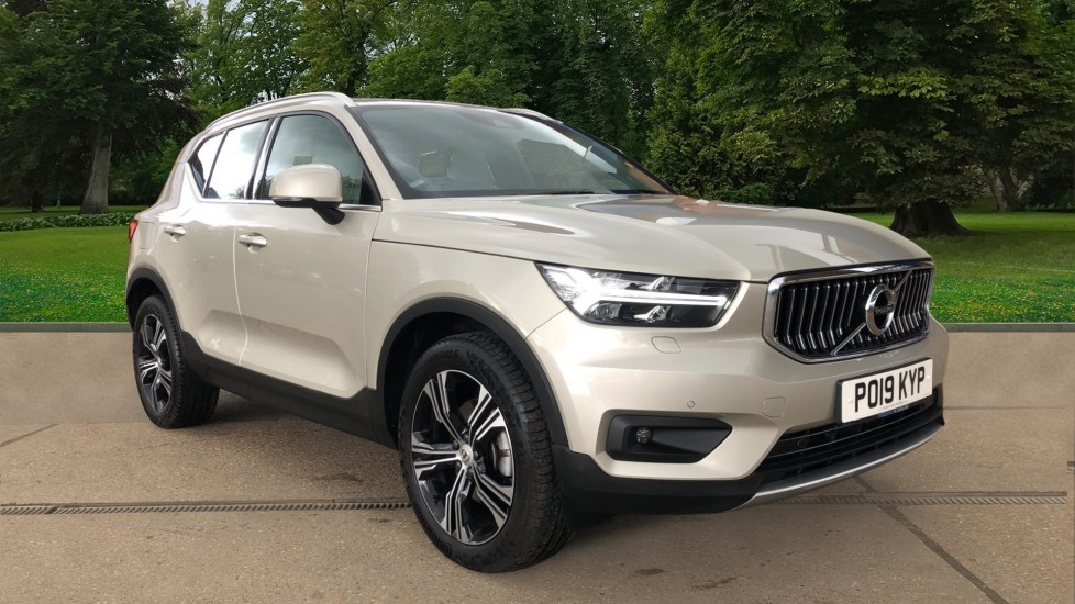 Volvo XC40 T4 Inscription Pro AWD Auto, Nav, Heated Screen, Memory Drivers Seat, Convenience Pack, DAB 2.0 Automatic 5 door 4x4 (2019)