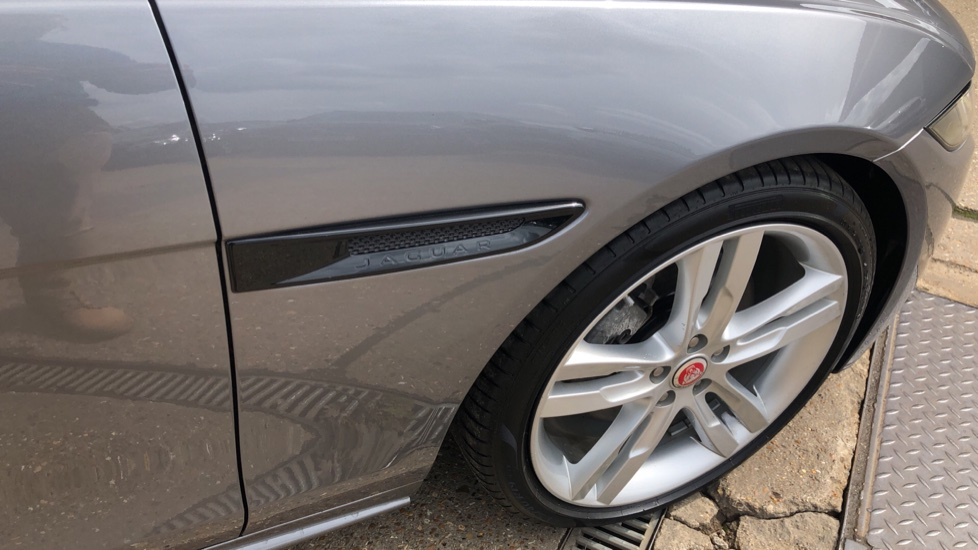 Jaguar XE 2.0 R-Dynamic S Auto, Nav, Heated & Electric Sports Seats, Parking Sensors, Cruise Control image 13