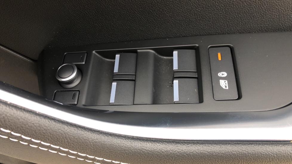 Jaguar XE 2.0 R-Dynamic S Auto, Nav, Heated & Electric Sports Seats, Parking Sensors, Cruise Control image 15