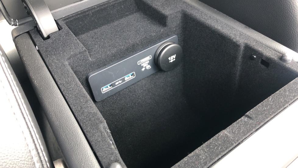 Jaguar XE 2.0 R-Dynamic S Auto, Nav, Heated & Electric Sports Seats, Parking Sensors, Cruise Control image 31