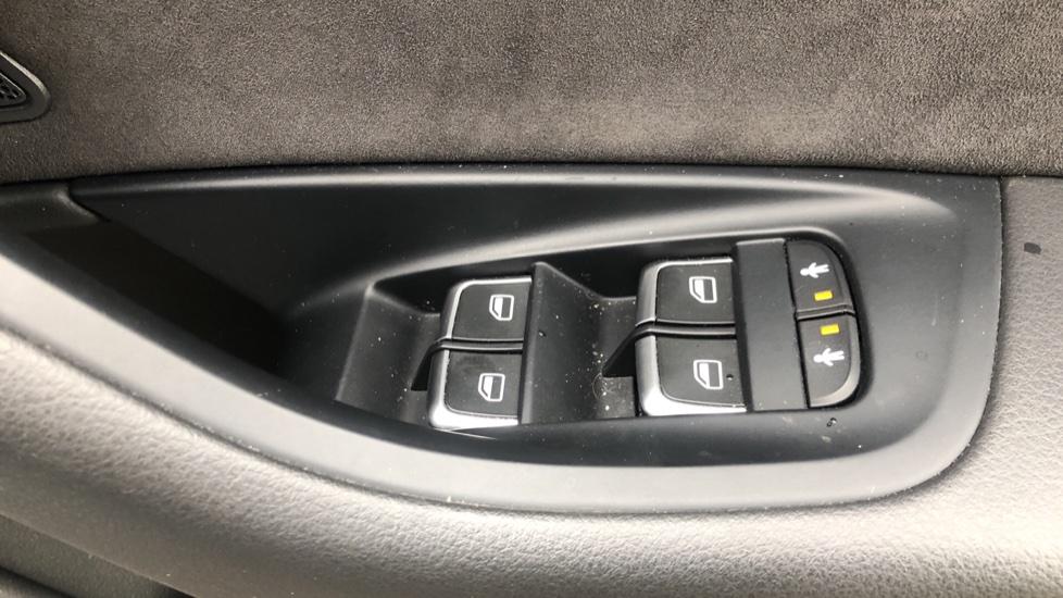 Audi A6 2.0 TDI Ultra S Line Auto, Navigation, Front & Rear Sensors, IPod, Bluetooth Phone & Audio image 34
