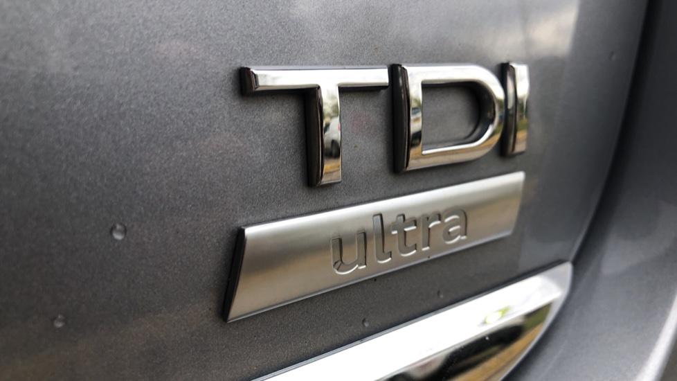 Audi A6 2.0 TDI Ultra S Line Auto, Navigation, Front & Rear Sensors, IPod, Bluetooth Phone & Audio image 36