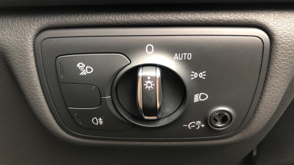 Audi A6 2.0 TDI Ultra S Line Auto, Navigation, Front & Rear Sensors, IPod, Bluetooth Phone & Audio image 27