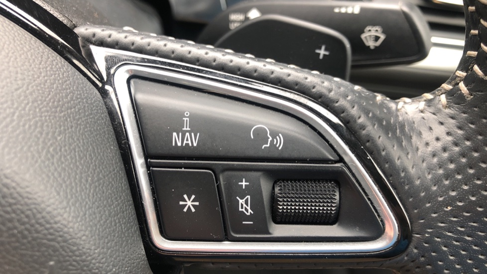 Audi A6 2.0 TDI Ultra S Line Auto, Navigation, Front & Rear Sensors, IPod, Bluetooth Phone & Audio image 11