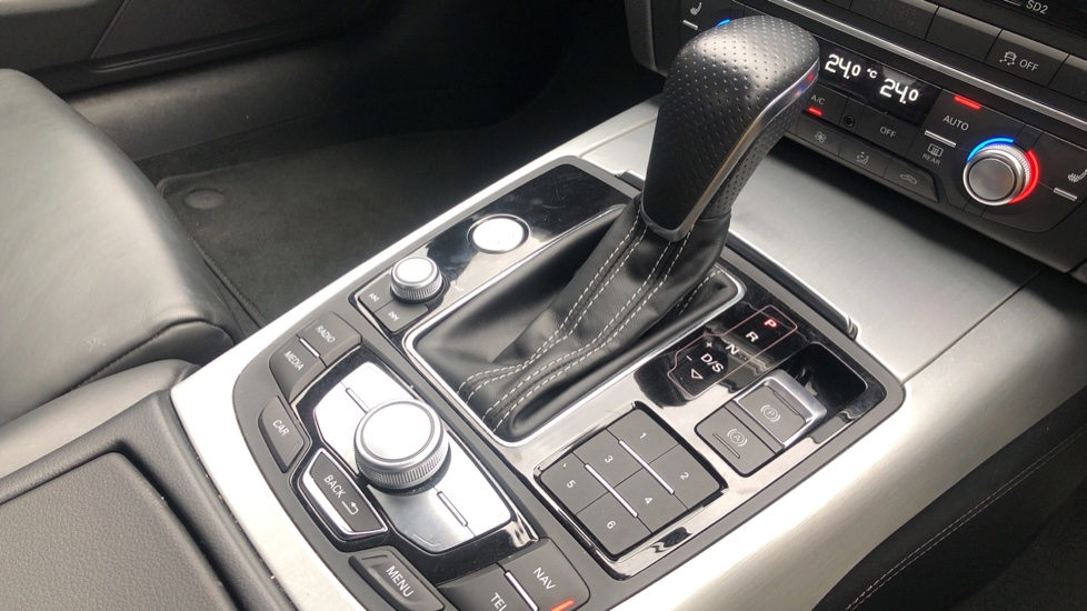 Audi A6 2.0 TDI Ultra S Line Auto, Navigation, Front & Rear Sensors, IPod, Bluetooth Phone & Audio image 22