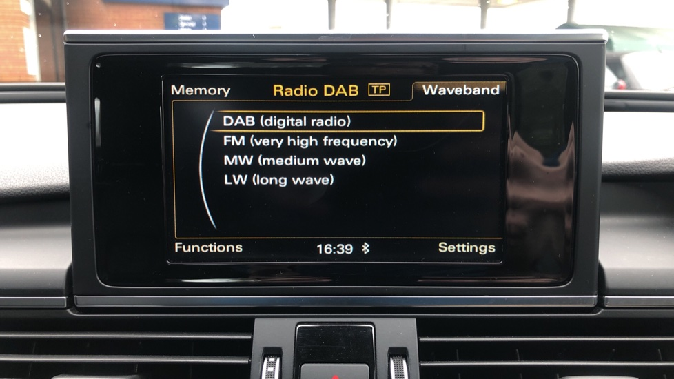 Audi A6 2.0 TDI Ultra S Line Auto, Navigation, Front & Rear Sensors, IPod, Bluetooth Phone & Audio image 18
