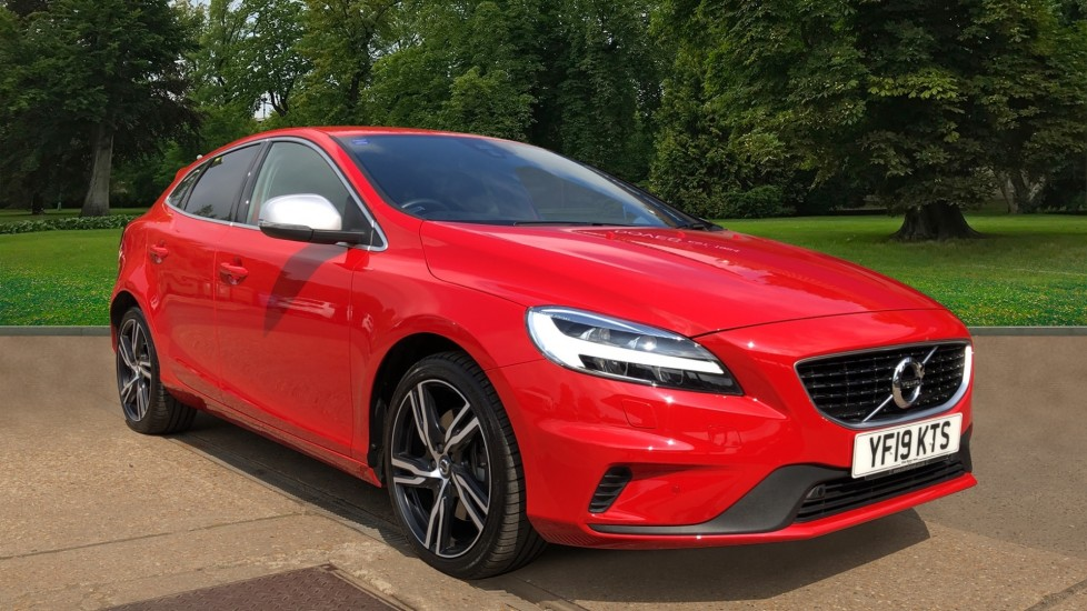 Volvo V40 T3 R Design Edition Auto, Front & Rear Sensors, Powered Drivers Seat, Paddle Shifters, Rear Camera 1.5 Automatic 5 door Hatchback (2019)
