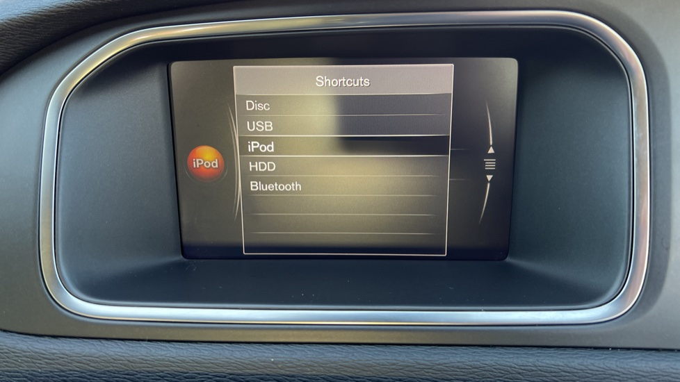 Volvo V40 T3 Cross Country Pro Manual, Nav, Rear Sensors, DAB Radio, Heated Screen & Seats, Full Leather image 19