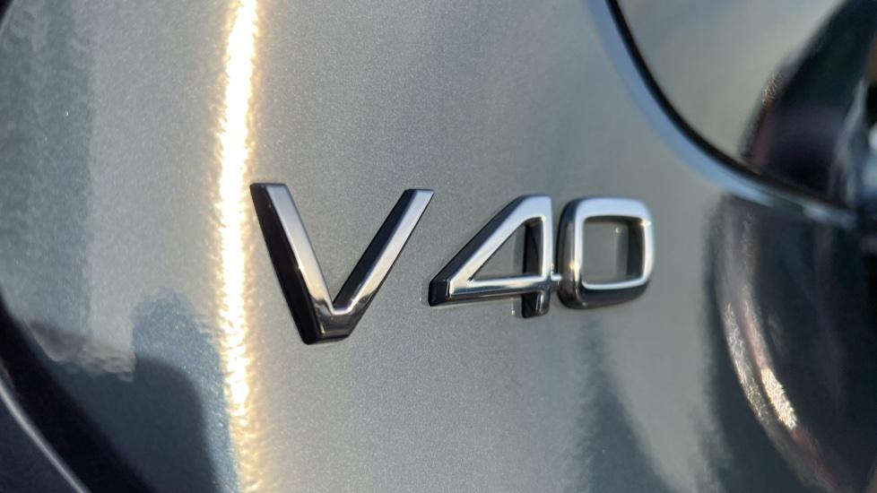 Volvo V40 T3 Cross Country Pro Manual, Nav, Rear Sensors, DAB Radio, Heated Screen & Seats, Full Leather image 37