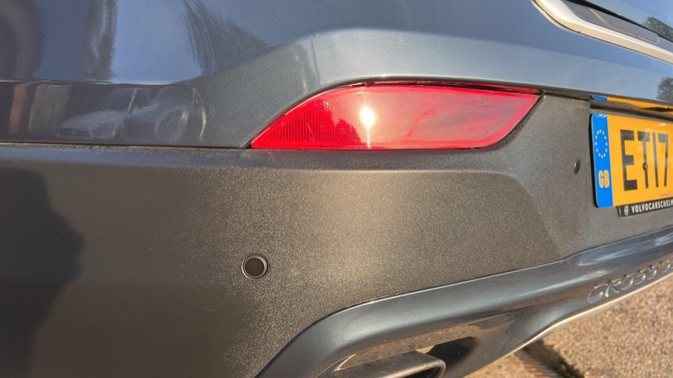 Volvo V40 T3 Cross Country Pro Manual, Nav, Rear Sensors, DAB Radio, Heated Screen & Seats, Full Leather image 30