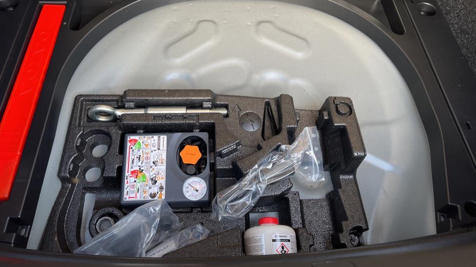 Volvo V40 T3 Cross Country Pro Manual, Nav, Rear Sensors, DAB Radio, Heated Screen & Seats, Full Leather image 34