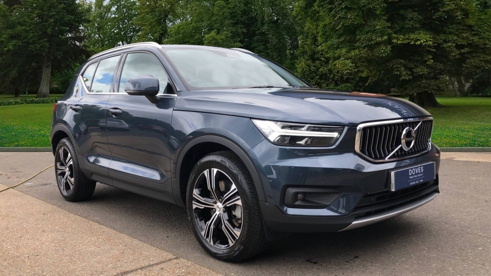 Volvo XC40 T5 Recharge PHEV Inscription Auto, Nav, Adaptive Cruise, BLIS, Heated Screen, Keyless Drive 1.5 Petrol/Electric Automatic 5 door 4x4 (2020) at Doves Gatwick thumbnail image