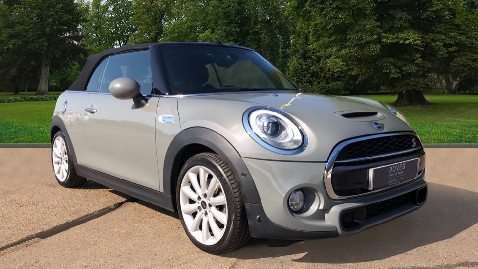 Mini Cooper S Convertible 2.0 189hp Cooper S Convertible Auto with Nav, Rear Camera, Chili Pack, Park Sensors & Bluetooth Automatic 2 door available from Jaguar Brentwood thumbnail image