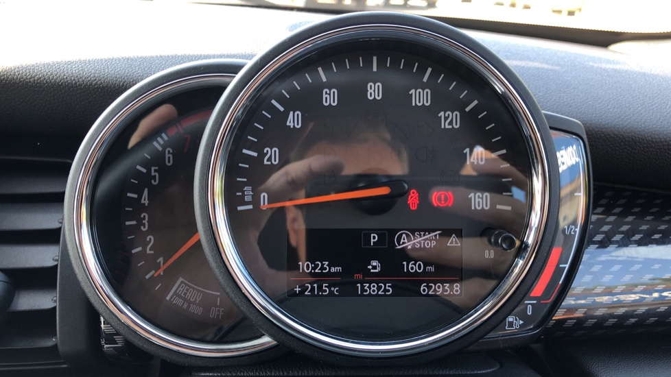 Mini Cooper S Convertible 2.0 189hp Cooper S Convertible Auto with Nav, Rear Camera, Chili Pack, Park Sensors & Bluetooth image 10