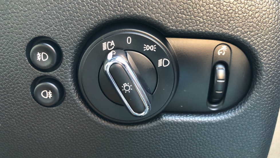 Mini Cooper S Convertible 2.0 189hp Cooper S Convertible Auto with Nav, Rear Camera, Chili Pack, Park Sensors & Bluetooth image 28