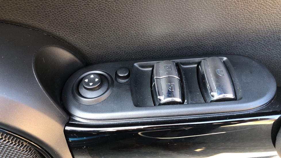 Mini Cooper S Convertible 2.0 189hp Cooper S Convertible Auto with Nav, Rear Camera, Chili Pack, Park Sensors & Bluetooth image 47
