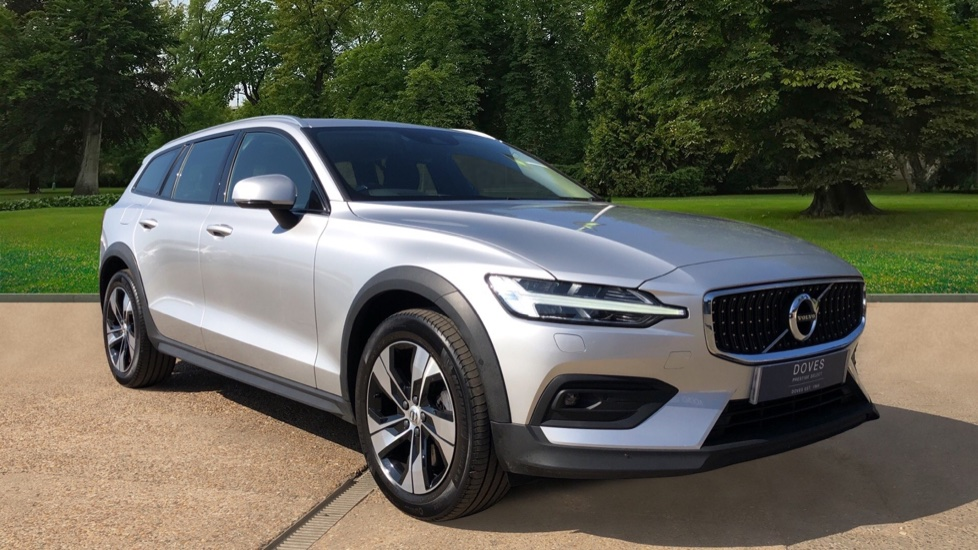 Volvo V60 D4 Cross Country Plus AWD Auto, Nav, Heated Seats, Electric Drivers Seat, F & R Sensors, DAB 2.0 Diesel Automatic 5 door 4x4 available from Jaguar Brentwood thumbnail image