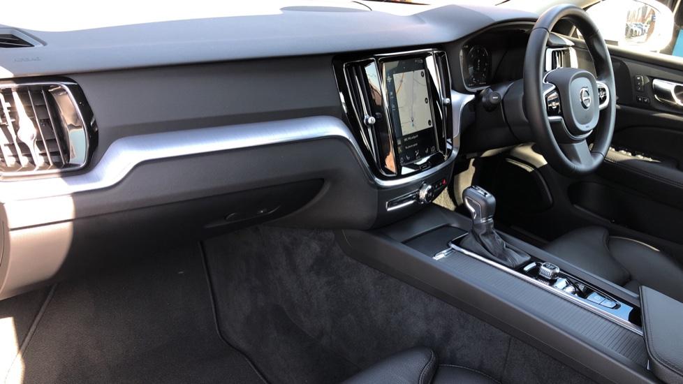 Volvo V60 D4 Cross Country Plus AWD Auto, Nav, Heated Seats, Electric Drivers Seat, F & R Sensors, DAB image 10