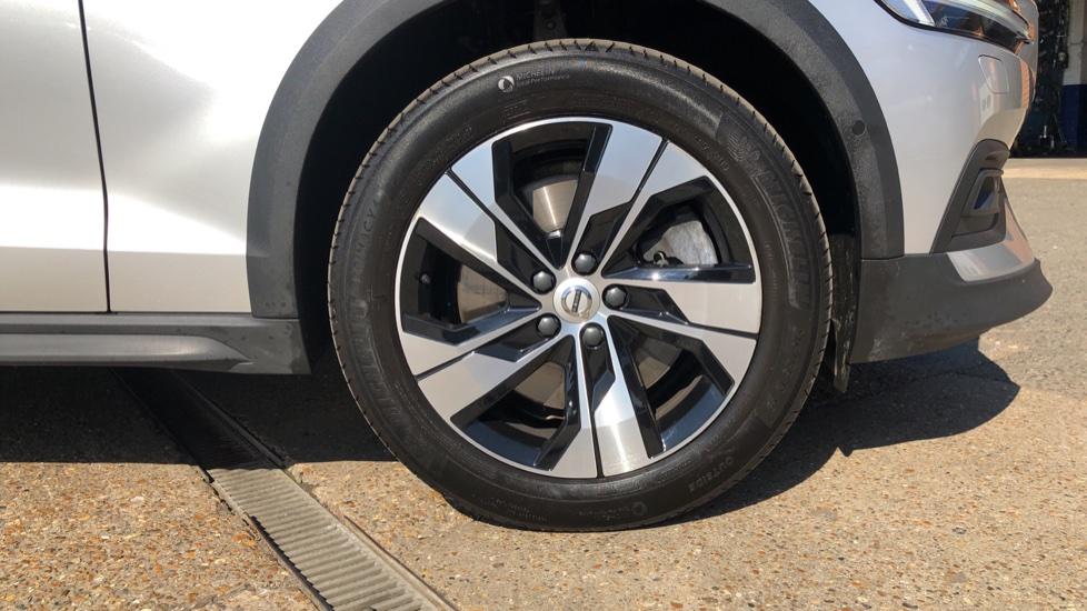 Volvo V60 D4 Cross Country Plus AWD Auto, Nav, Heated Seats, Electric Drivers Seat, F & R Sensors, DAB image 28
