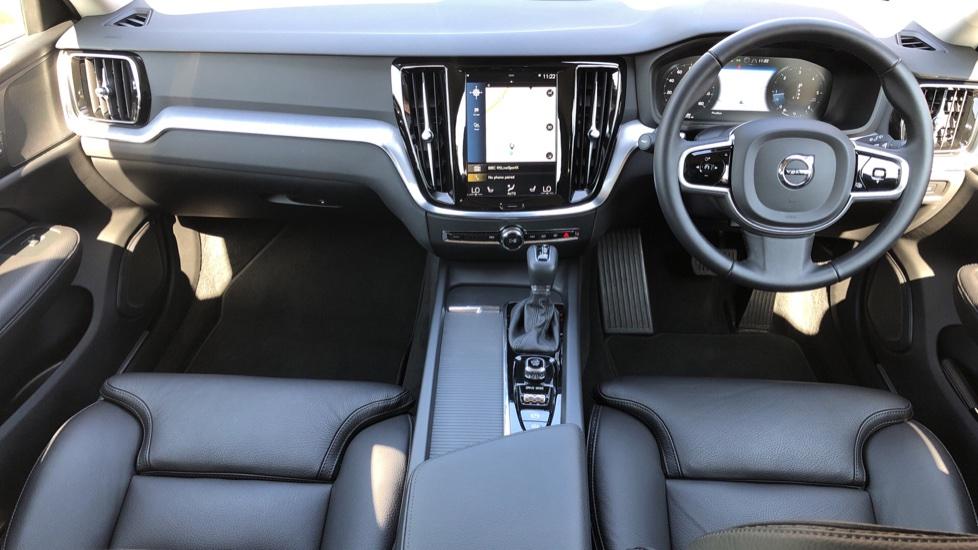 Volvo V60 D4 Cross Country Plus AWD Auto, Nav, Heated Seats, Electric Drivers Seat, F & R Sensors, DAB image 9